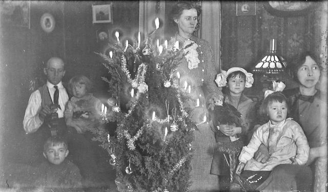 Crazy people Xmas 1911